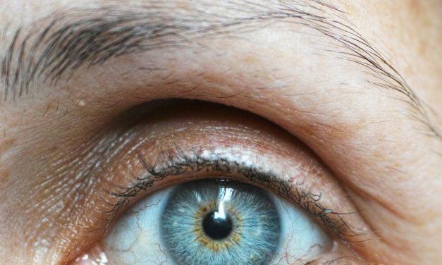 Make Curly Eyelashes Instantly